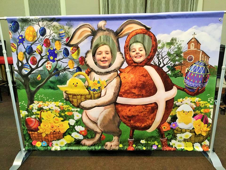 easter banner, easter bunny, easter party ideas, fface in hole