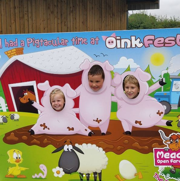 Mead Farm Oinkfest photo cutout